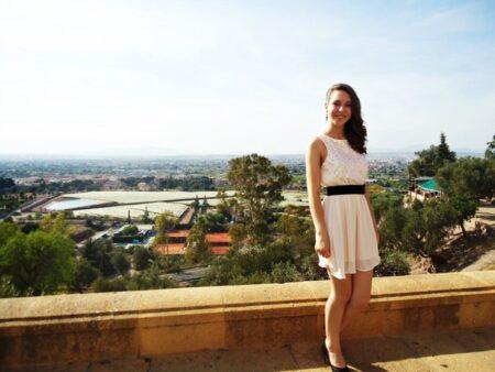 Cecile, 19 cherche un plan d'une soiree