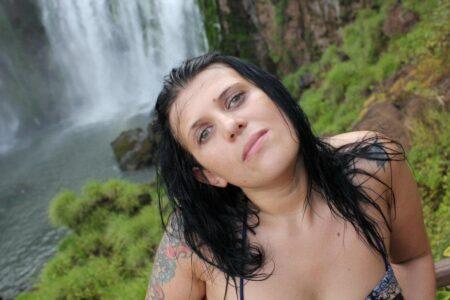 Judith, 35 cherche dialogue hard et plus